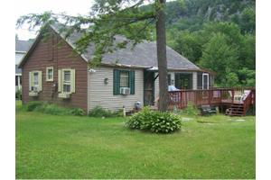 309 Cones Point Rd, Poultney, VT 05764