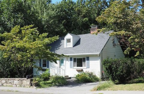 53 Hecker Ave, Darien, CT 06820
