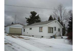 117 Cherry St, Houghton Lake, MI 48629