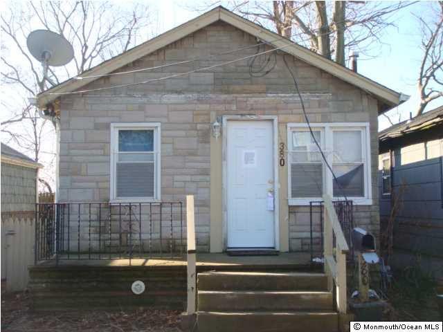 380 Shoreland Cir, South Amboy, NJ