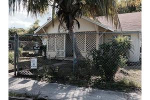 3201 Pinewood Ave, West Palm Beach, FL 33407