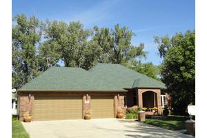 114 Shoreline Dr, Carter Lake, IA 51510