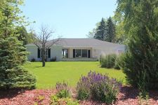 12650 N Lake Shore Dr, Mequon, WI 53092