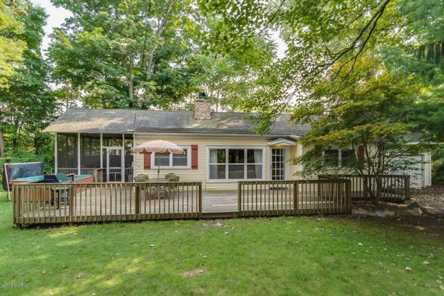 16039 greenwood ave union pier mi 49129 home for sale