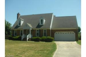 3209 Stonypointe Dr, Greensboro, NC 27406