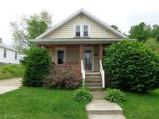 128 Mill St Nw, Sugarcreek, OH 44681
