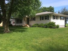 309 E Brewer Circle Dr, Walnut, IL 61376