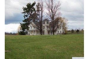 138 Green Acres Rd, Elizaville, NY 12523