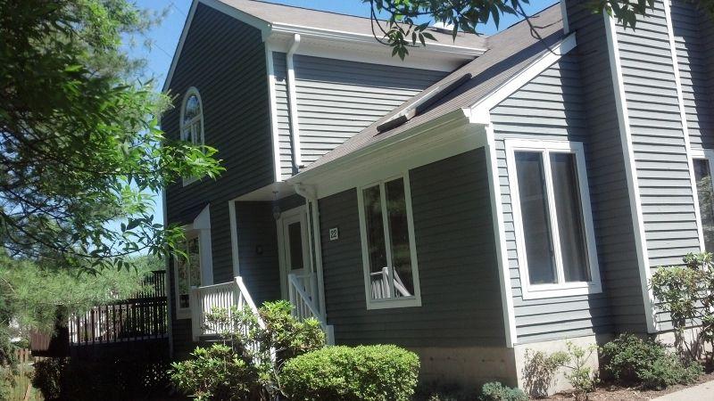 22 Meadowview Ln, Berkeley Heights, NJ 07922