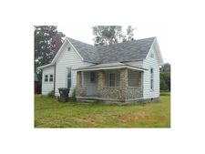 120 N Sycamore St, Redkey, IN 47373