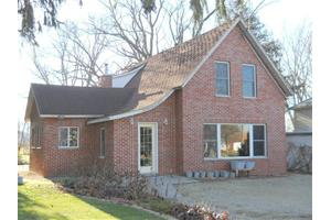 627 Clay St, Arlington, IA 50606