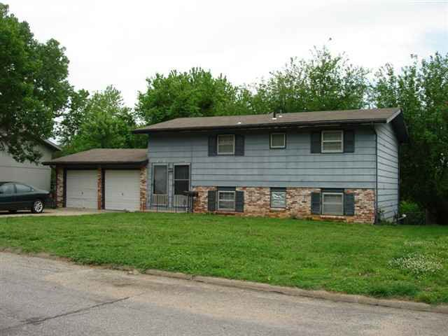 2434 Cedarwood Ave, Lawrence, KS 66046