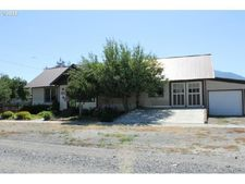 811 Wilcox St, Haines, OR 97833