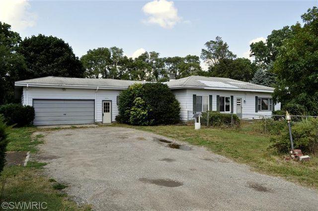 7514 Peck Rd, Greenville, MI