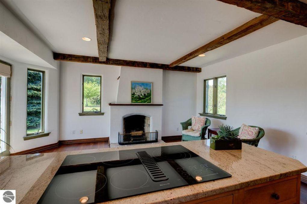 Cottage Rental Traverse City Mi Cabin Rentals Traverse