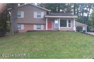 2226 Greenview Dr SW, Wyoming, MI 49519