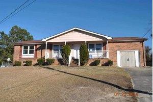 318 Birch Ct, Jacksonville, NC 28540
