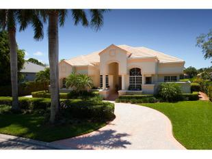 3311 Oaklake Ct, Bonita Springs, FL