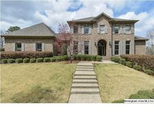 800 Lake Colony Cir, Vestavia Hills, AL 35242