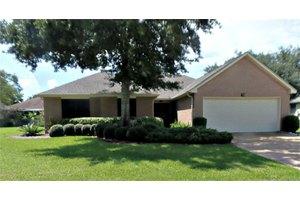 718 Laurel Grove Ln, Pearland, TX 77584
