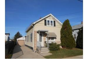 662 W 9th Ave, City of Oshkosh, WI 54902