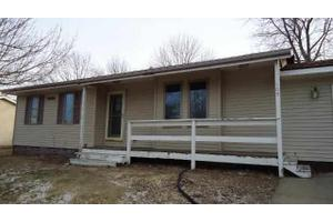 109 Ryan St, Lone Tree, IA 52755