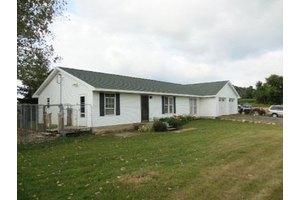 13653/13651 Calhoun Rd, Cement City, MI 49233