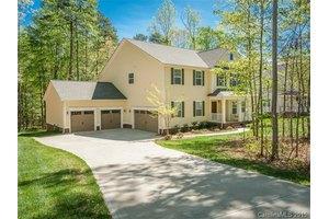 13215 Fairington Oaks Dr, Mint Hill, NC 28227