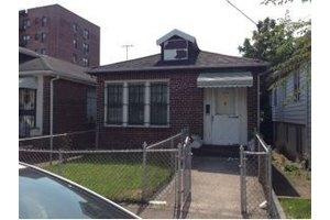 2452 E 12th St, Brooklyn, NY 11235