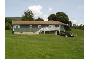 117 Updike Ln, Roanoke, VA 24019