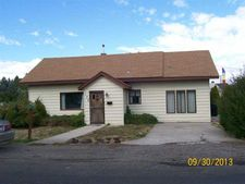 132 8th Ave W, Gooding, ID 83330