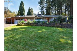 2550 Greentree Rd, Lake Oswego, OR 97034