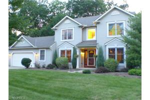 420 Nantucket Dr, Avon Lake, OH 44012