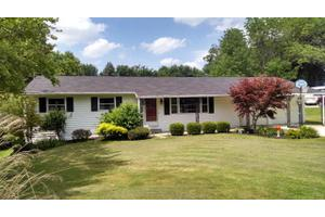 1097 Edgewood Dr, Chillicothe, OH 45601