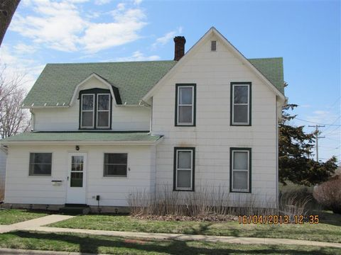 Photo of 214 N Eliza St, Maquoketa, IA 52060
