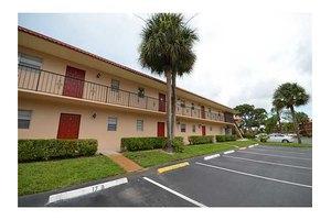1933 SW Palm City Rd Apt H, Stuart, FL 34994