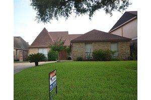 13850 Sheri Hollow Ln, Houston, TX 77082