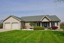 207 Meadows Dr, Greentown, IN 46936