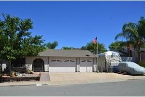 1055 Ellen Ln, El Cajon, CA 92019