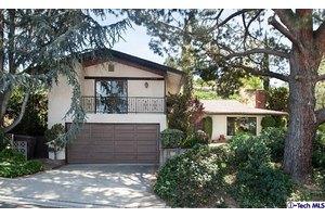 3648 Saint Elizabeth Rd, Glendale, CA 91206
