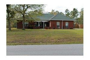 8517 Daisy Vestry Rd, Biloxi, MS 39532
