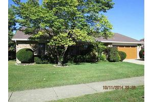 102 Kings Chapel Dr, Troy, OH 45373