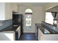 12 Granada Cres Apt 8, White Plains, NY 10603