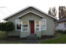 362 N 9th St, Reedsport, OR 97467