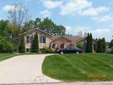 26202 Meadowview Dr, Farmington Hills, MI 48331