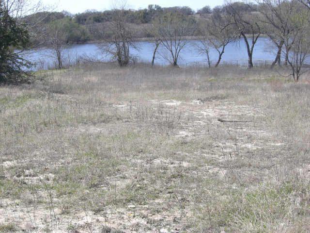 212 Big Lake Ct Springtown TX 76082