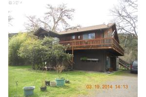 155 Burchard Dr, Scottsburg, OR 97473