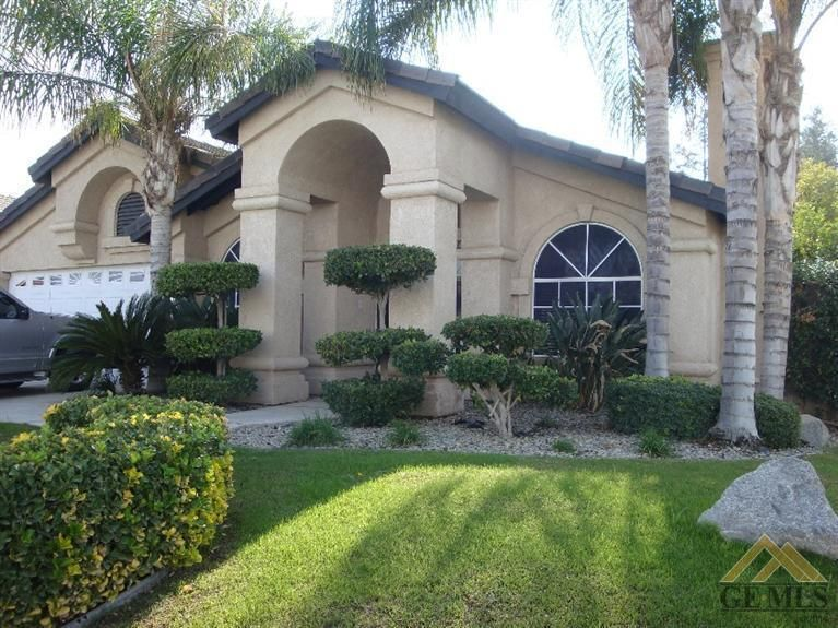 10317 Crandon Park Dr Bakersfield, CA 93312