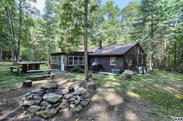 526 pine grove rd gardners pa 17324 home for sale and