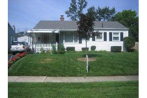 3421 Kenlawn St, Columbus, OH 43224